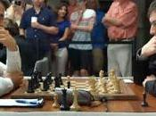 Échecs Carlsen neutralisé
