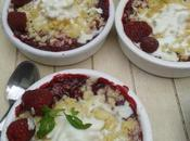 Crumble framboises, tomates cerises crème mascarpone basilic~citron