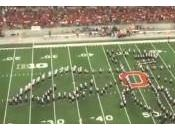 Fanfare Ohio State rend hommage séries