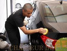 Astuces insolites pour laver votre voiture