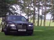 Rolls-Royce Wraith donne coeur joie dans jardin anglais