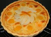 Tarte abricots, miel, amandes écorces d'oranges confites