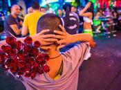 enfants vendeurs roses Bangkok, Reportage