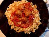 Boulettes viande sauce tomate poivron coquillettes