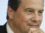 plan d'investissement européen Juncker premier pas, mais insuffisant dans lutte contre déflation.