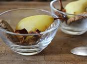 Poires pochées safran, chips d'épluchures sablés noisette (Noël 100% durable