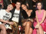 (PHOTOS) Rihanna heureuse poser avec Miley Cyrus