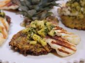 Galettes courgettes pommes terre épicées, salsa d'ananas halloumi grillé