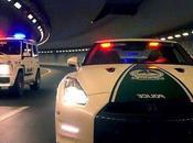 Quand supercars police Dubaï rodent nuit