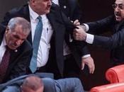 Bagarre générale Parlement turc