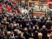 POLITIQUE Macron motion censure rejetée, adoptée 1ère lecture