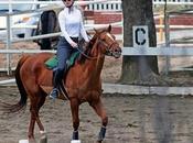 chanteuse Iggy Azalea d'équitation