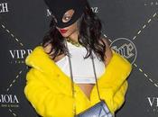 Rihanna déguisée poussin ROOM Paris