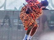 Vidéo Chris Brown chante chanson inédite festival Coachella