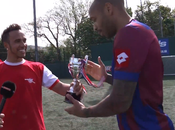 Lewis Hamilton frotte Thierry Henry match