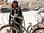 vélo fait avancer femmes