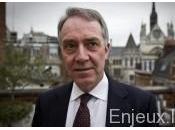 Royaume-Uni élargissement, sous étroit contrôle, moyens surveillance