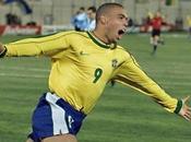joueur brésilien joué Copa America couches-culottes