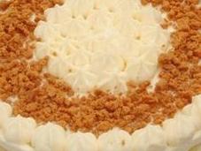 Gâteau crème mousseline chocolat blanc, croustillant speculoos poires