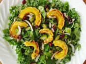 Salade kale delicata grillée avec vinaigrette tahini citron