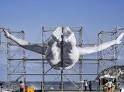 L'artiste dévoile oeuvres géantes