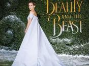 Robe cape d'Emma Watson provoque chaos tapis rouge