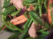 Sauté poulet crevettes légumes printaniers