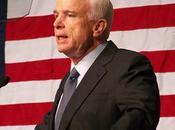John McCain répond Wesley Clark