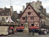Carte postale dans rues Dijon