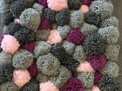 tapis pompons laine pour douces soirées d'hiver