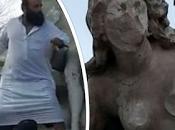 islamiste algérien dégrade statue dénudée Setif