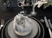 Table noire argentée