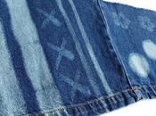 s'amuse avec jeans javellisant