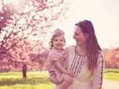 Séance photo mère fille cerisiers fleurs Sceaux