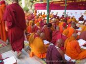 L'habillement d'un moine bouddhiste tradition Theravada