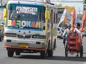 Indonésie ville Surabaya offre trajet gratuit échange bouteilles plastiques