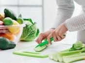ALIMENTATION bonnes habitudes alimentaires prennent autour d'une table