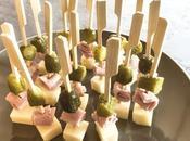 Brochettes emmental, jambon, cornichons