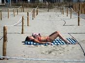 plage Grande Motte installe zones bronzage