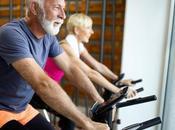 Seniors faire l'exercice chez facilement, c'est possible