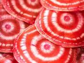 légume hyper design dans assiette! bettrave Chioggia